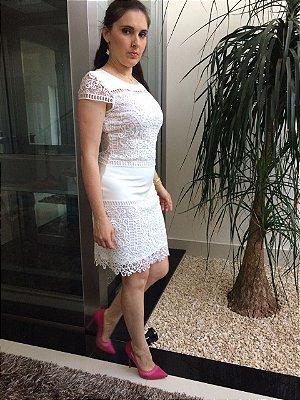 Vestido Branco Antonella em Renda e Manga
