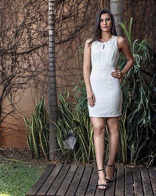 Vestido Branco Paola com Bordados e Detalhe em Renda