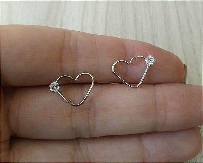 Piercing para Tragus/Orelha/Hélix em Prata 950 (pingente) e haste de coração em aço cirurgico com pedra + flanela polidora