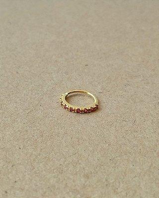 Argola cravejada com pedras na cor rosa - banhada a Ouro