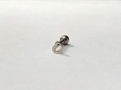 Piercing para Tragus/Helix - Coração vazado pequeno - Prata