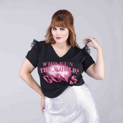 T-shirt de Algodão - WHO RUN THE WORLD - Plus Size