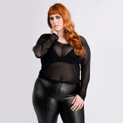 Blusa Transparência Burning Love - Plus Size