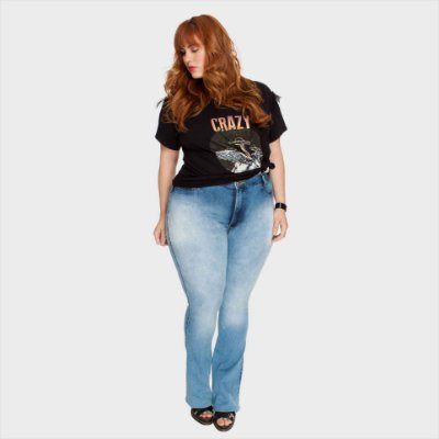 Calça Jeans Flare Delavê - Cós Alto - Plus Size