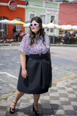 CAMISA CROPPED LISTRADA - PLUS SIZE