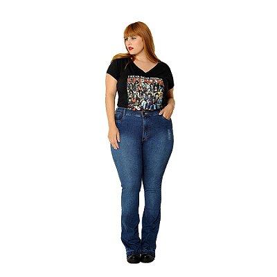 Calça Jeans Flare Plus Size Detalhe Barra Azul