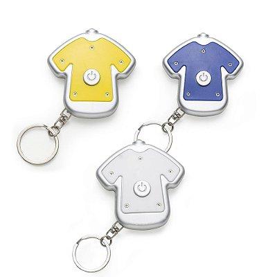 Chaveiro lanterna plástico formato camiseta colorida com contorno prata. Código: SK 12207