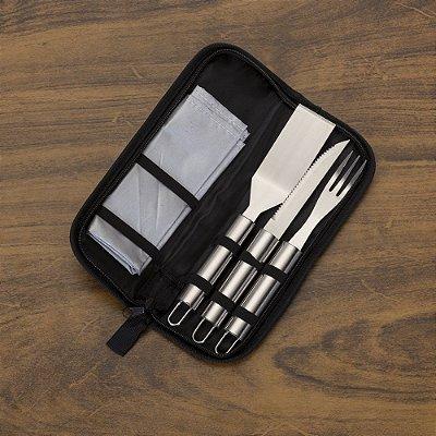 Kit churrasco com 5 peças em estojo de nylon com alça.  SK 12236