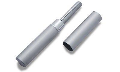 Estojo de metal com formato de tubinho para caneta