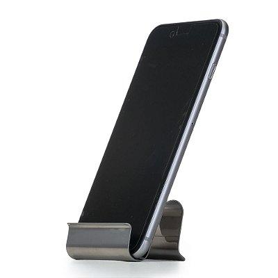 Porta celular brilhante em inox, chapa metálica encurvada. Cód. SK12489