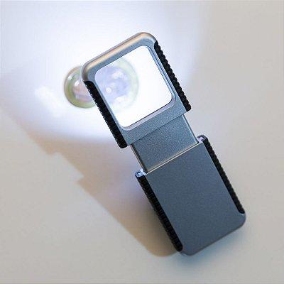 Lupa com lanterna. Cod SK 11947