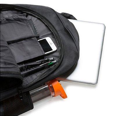 Mochila 100% poliester para notebook com detalhes em nylon. Cód.SK13754