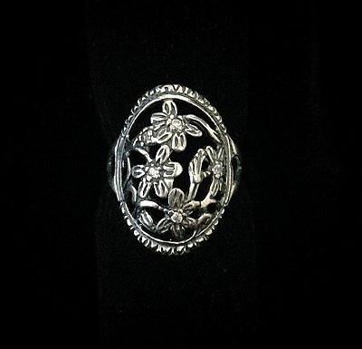 Lindo anel Flores em Prata Bali925