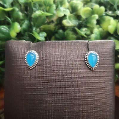 Brinco Indiano Prata 925 Gota e Pedra Calcedônia Azul