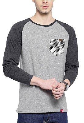 Camiseta Manga Longa Wevans Bolso Aplique Geometrico