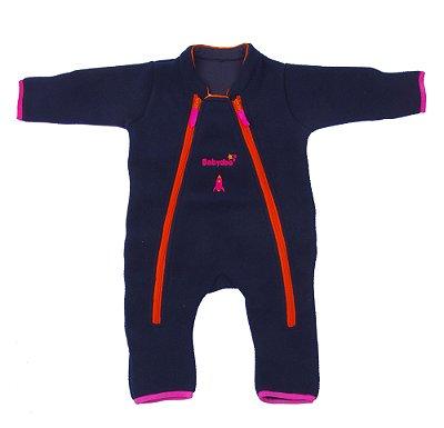 Macacão astronauta Basic Soft Power marinho rosa com luvas e meias embutidas – punho virado, dois zíperes frontais.