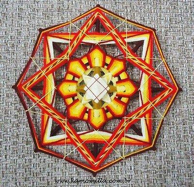 Mandala bordada 8 pontas
