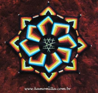 Mandala bordada com 8 pontas