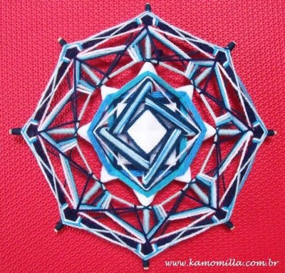 Mandala aerada Azul e Branco