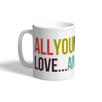 "Caneca de Porcelana ""All you need is love"""