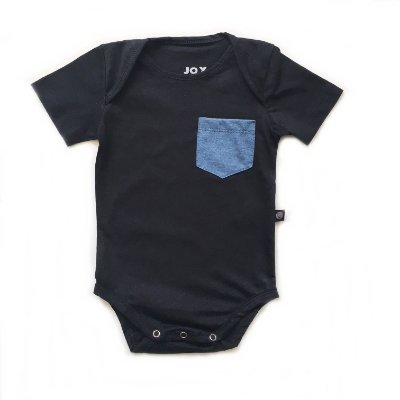 Body manga curta liso com bolso azul