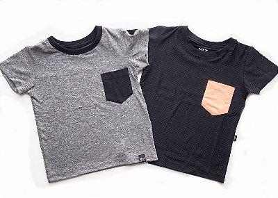 Kit Camisetas com bolso - cinza e preta risca de giz