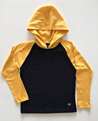 Camiseta Capuz - mostarda com preto