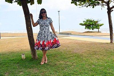 Vestido com Rosas pretas e vermelhas