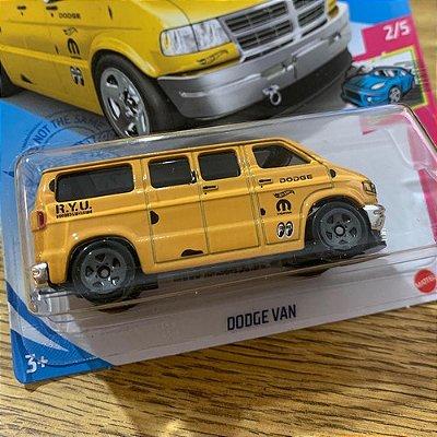 Carrinho Hot Wheels - Dodge Van - Mooneyes - Edição 2021