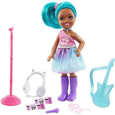 Boneca Barbie Playset Chelsea Rockstar Morena Cabelo Verde