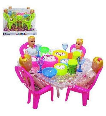 Mesinha Com 4 Bonecas E Cadeiras Comidinha Copos E Pratos