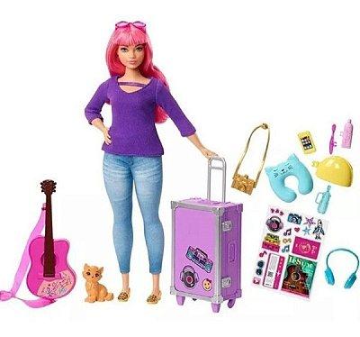 Boneca Barbie Daisy Viajante Com Acessórios E Adesivos - Cabelo Rosa - Mala Roxa