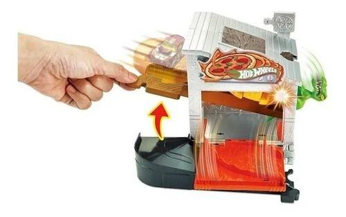 Hot Wheels City Estação De Pizza - Ataque Ao Dino