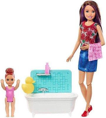 Boneca Barbie Skipper Hora Do Banho Banheira Babysitter