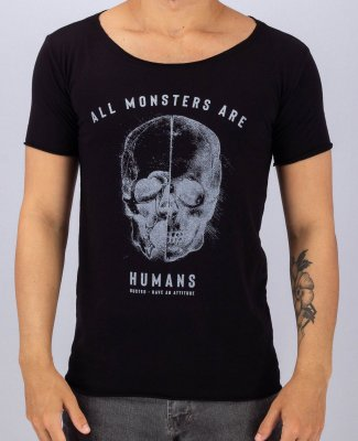 Camiseta Gola Canoa Preta All Monsters