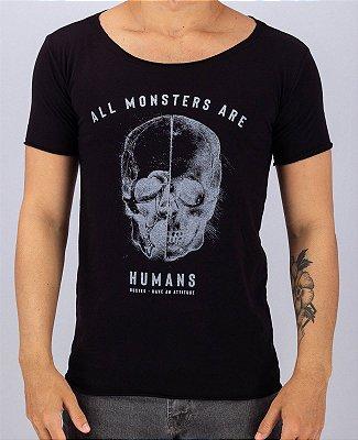 Camiseta Gola Canoa Preta All Monsters