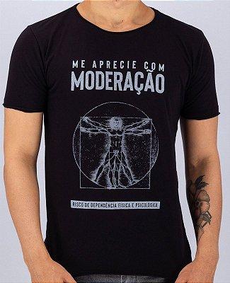 Camiseta Gola Redonda a Fio Preta Moderação