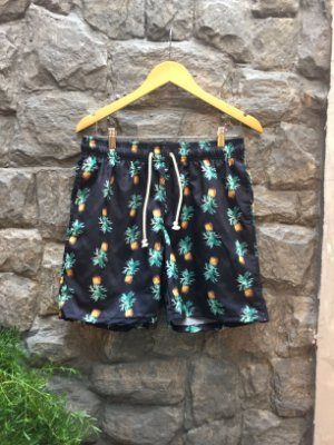 Beach Short Preto Abacaxi