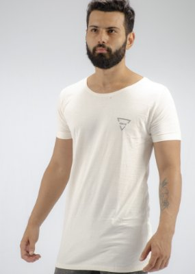 Camiseta Gola Canoa Linho Off White Triangulo Busted