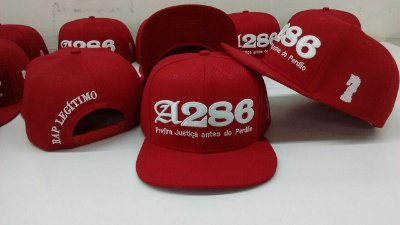 Boné A286, vermelho e branco