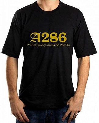 Camiseta A286, preta e dourado