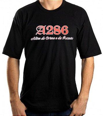 Camiseta A286, Além do Crime e da Razão, preta e vermelha
