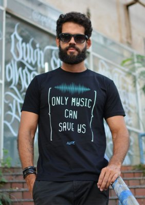 Camiseta Only Music Can Save Us