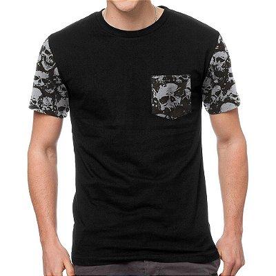 Camiseta Chess Clothing Manga e Bolso Skulls Preta