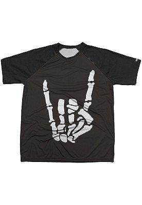 Camiseta Chess Clothing Estampa Metal Hand