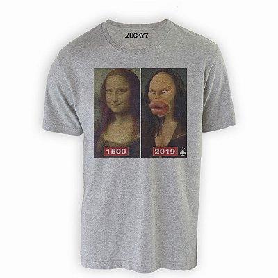 Camiseta Gola Básica - Mona Actualized