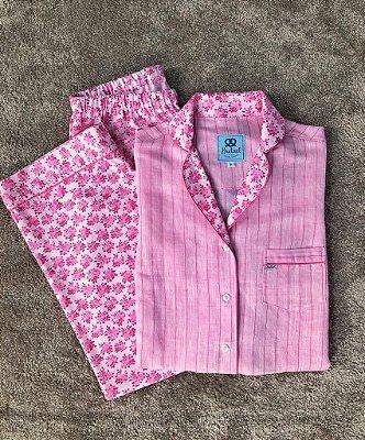 Pijama Rosa Listrado e Floral