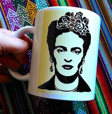 Caneca Frida Kahlo e flores