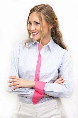 Camisa Social Lisa Azul Claro com Detalhe Rosa