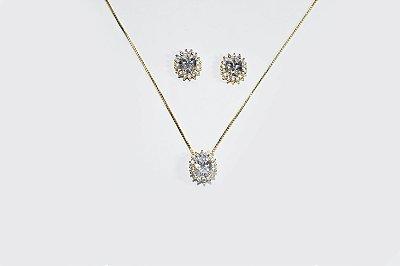 Conjunto de brinco e corrente folheado a ouro 18K com zircônias na cor cristal e cravejado com mini zircônias na cor cristal  - Moda executiva e evangélica - Amoii